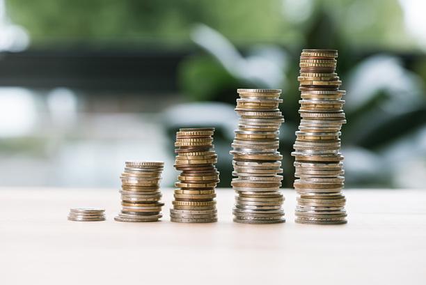 Korkokattolaki vaikuttaa sinunkin lainaasi - Onko korkokatosta hyötyä?
