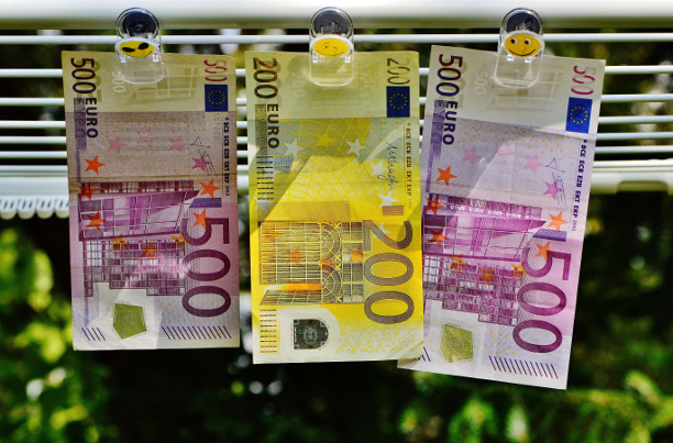 Mihin käyttäisit 5000 euroa lainaa? - Näihin asioihin suomalaiset hakevat lainaa